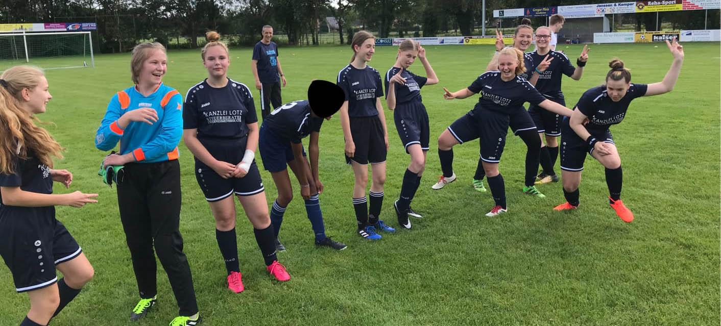 C-Mädchen spielen wieder Fußball